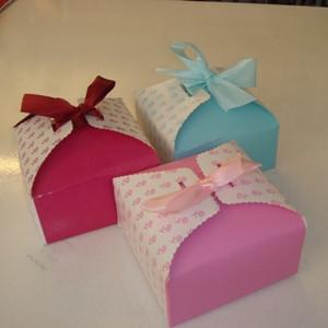 Lyseblå gaveæske med silkebånd